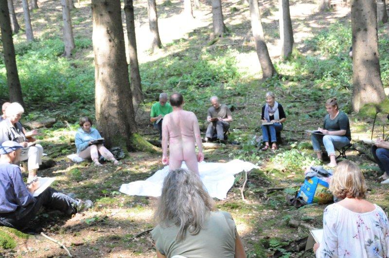 Wald nackt geschichte im Die Hütte